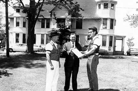 Avon Lake Mayor John Picken with Ed Mitchell and Don Ames, 1969