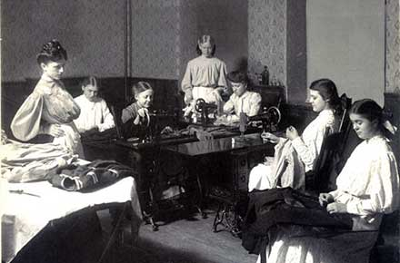 Girls' sewing circle, 1905