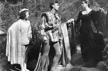 Mabel Viola Bell, Olivia Russell, and J. Franklin Hruby in Twelfth Night.