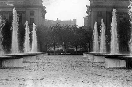 The Hanna Fountains on the Mall, 1964.