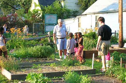 Feeding Cleveland: Urban Agriculture - The Cleveland Memory Project